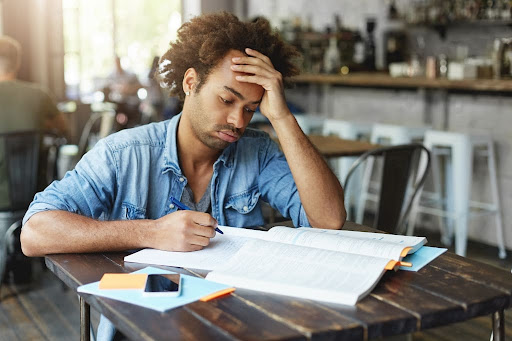 Where Can I Hire the Best Essay Writer Online to Write My Essay?